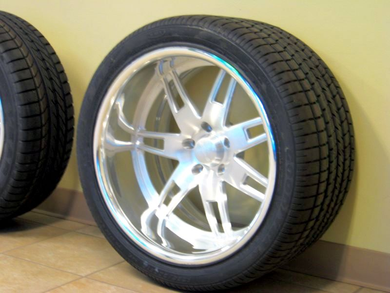 Click image for larger version  Name:New Wheels 003.jpg Views:1207 Size:66.6 KB ID:17140